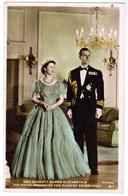 Her Majesty Queen Elizabeth & His Royal Highness The Duke Of Edinburgh (pk41813) - Royal Families
