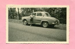 PHOTOGRAPHIE - PHOTO - RENAULT DAUPHINE -  ( 1967 ) - Automobiles