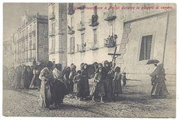 Cpa Italie / Italia - Eruzione Del Vesuvio - Una Processione A Napoli Durante La Pioggia De Cenere - Italie