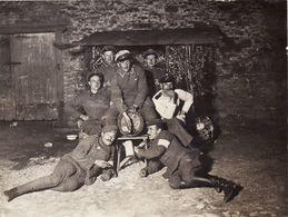 Photo 1918 CLERY-LE-GRAND (près Dun-sur-Meuse) - Soldats Allemands Avec Un Tonneau (A187, Ww1, Wk 1) - France