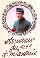 CP De Régiment Avec Paillettes Souvenir Du 121 ème  D' Infanterie + Portrait De Soldat Militaire Militaria (2 Scans) - Regiments
