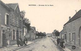 BOYNES - Avenue De La Gare - Café Du Mail - France