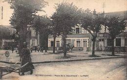 BOYNES - Place De La République - La Poste - France
