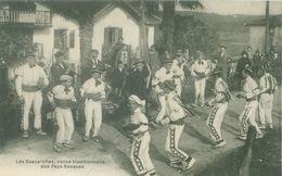 Cambo-les-Bains; Les Cascarottes, Danse Traditionnelle Des Pays Basques - Non Voyagé. (Cambo's Studio) - Cambo-les-Bains