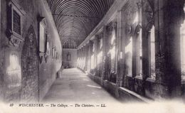 0 - WINCHESTER - The College - The Cloisters - N/B - Winchester