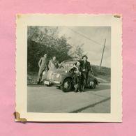 PHOTOGRAPHIE - PHOTO -  TOUTE LA FAMILLE Et RENAULT 4 CV  ! - Automobiles