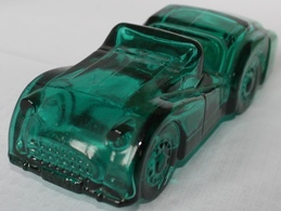 Avon. Automobilia. Triumph TR 3. After Shave. Verre Moulé Vert, Bouchon Plastique - Vide. VR_B4 - Bottles (empty)