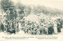 043/30  BRUXELLES  - Carte -  Vue  25è Anniversaire De La Maison Du Peuple - Parasols Fleuris. No 17 - Fêtes, événements