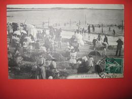 CPA   17 LA ROCHELLE La Plage 1910 T.B.E. Très Animée - La Rochelle