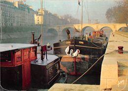 Paris Péniche Yvon 10 1767 - De Seine En Haar Oevers