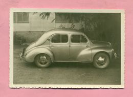 PHOTOGRAPHIE - PHOTO - RENAULT 4 CV  - - Automobiles