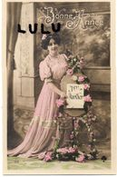 FEMMES N° 250 ; 1er Janvier , Bonne Année - Femmes