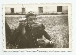 Bulgarian Young  Men Struggle On A Meadow  - E327-30 - Personnes Anonymes