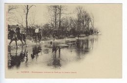 CPA 49 Militaires Régiment Saumur Entrainement Revenant Du Breil Par Le Chemin Inondé N° 49 - Reggimenti
