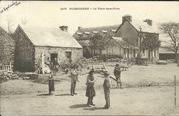PLOMODIERN  -- La Place Saint Yves                                               -- Villard 3473 - Plomodiern