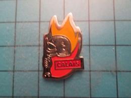 Pin512a Pin's Pins / Beau Et Rare :  SAPEURS POMPIERS CALAIS FLAMME LANCE CASQUE   Marquage Au Dos : - ---- - - Pompieri