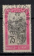 MADAGASCAR       N° YVERT  :    107      ( 1 )     OBLITERE       ( O 2/45 ) - Madagascar (1889-1960)