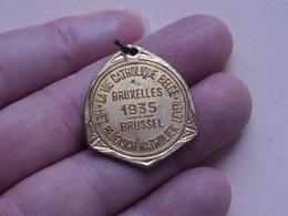 La VIE Catholique Belge - Het Belgisch KATHOLIEK Leven BRUSSEL 1935 ( 8,1 Gr. Hanger - Details, Zie Foto ) - Belgium