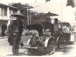Soenen Voyage En 2 Cv De Paris à Saïgon Et Retour EN SOLITAIRE CITROEN RAID 1965 POUSS POUSS ET COIFFE LOCALE - Automobile