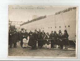 """BREST (FINISTERE) PHOTO DE PRESSE LA MISE A L'EAU DU CUIRASSE """"RICHELIEU"""" - Schiffe"""