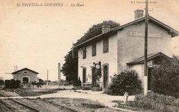 (56) CPA  Saint Trivier De Courtes La Gare   (bon Etat) - Sonstige Gemeinden