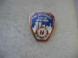 Pin's Pompiers De NEW YORK: Fire Department, City Of New York - Brandweerman