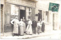 """CARTE PHOTO - EPICERIE-MERCERIE Et Maison VINS BIERES à Droite - Carte Postée à Montreuil -  """" AS DE TREFLE """" - Cartes Postales"""