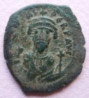 Byzantine - Demi Follis De Phocas émis à Constantinople (602-610) - Byzantines
