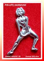 SUPER PIN'S PIN-UPS-DANSEUSE : Belle Création En ZAMAC Argent 3D, Format 3X2,4cm - Pin-ups