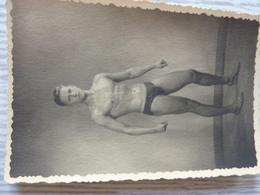 Quel Bel Homme, 1942 - Personnes Anonymes