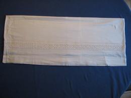 99 - Bas De Jupon Ancien  Brodé En Coton Ou Lin - Laces & Cloth