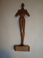 Statue Sculpture Bois Don Quichotte Cervantès  Souvenir  D'Espagne  Numeroté - Wood