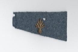 Petit écusson Insigne Militaire Grenade Brodée Cannetille - 1914-18