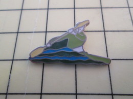 PIN1717 Pin's Pins / Belle Qualité Et Rare /  SPORTS : CANOE KAYAK - Canoeing, Kayak
