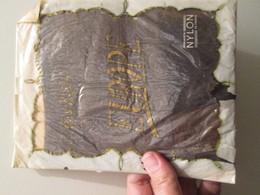 Paire De Bas Nylon Voile VINTAGE Neuf Jamais Porté , EUROPE  Couleur Brun , Taille 1 , 15 D , Années 50/60 - Bas