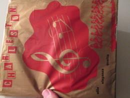 Paire De Bas Nylon Mousse VINTAGE Neuf Jamais Porté , CHARLESTON  Couleur Chair , Taille 2 / 9  , Années 60/70, 20D - Tights & Stockings