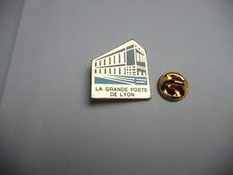 Beau Pin's , PTT , La Grande Poste De Lyon - Post