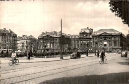 59 LILLE LA PLACE DE LA REPUBLIQUE ET LA PREFECTURE CPSM CIRCULEE 1953 - Lille