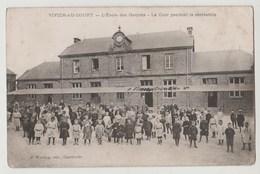 CPA VIVIER AU COURT L' Ecole Des Garçons - La Cour Pendant La Récréation - France