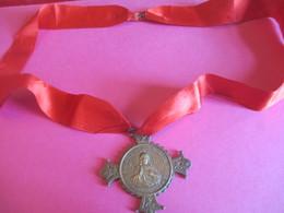 Grande Médaille Sacré Cœur De Montmartre/avec Ruban Satin /Vœu National/Adoration Du Sacré Cœur/Début XXéme     CAN734 - Religión & Esoterismo