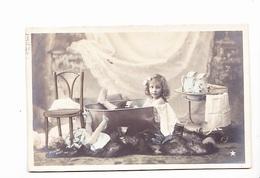 Petite Fille Dans Sa Baignoire (tub), Poupée, Toilette Et Brocs, Photo Moreau Paris, Ed. Etoile 1905, Non Divisée - Humorous Cards