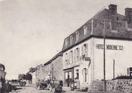 RUYNES-en-MARGERIDE: Hôtel Moderne Et Avenue De La Gare ,la Vie D'autrefois - France