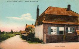 CPA - BISSEZEELE (59) - Aspect De La Route De Vanhove Dans Les Années 20 / 30 - Autres Communes