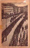 BELLUNO-PIAZZA CAMPITELLO IN UN GIORNO DI PARATA-CARTOLINA ANNO 1930-35 - Belluno