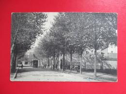 CPA 44 NANTES BOULEVARD VICTOR HUGO TRAMWAY - Nantes