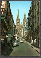63-Clermont Ferrand, La Cathédrale Et La Rue Des Gras, Renault Dauphine - Clermont Ferrand