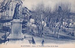 83 / HYERES / EDIT ARTAUD 29 / STATUE DE MASSILLON ET PLACE DE LA RADE - Hyeres