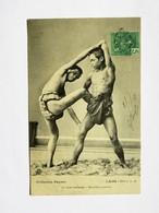 C.P.A. LAOS : La LUTTE LAOTIENNE, Deuxième Position, Timbre En 1908 - Laos
