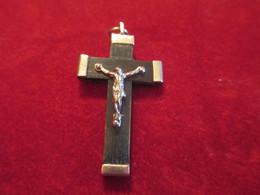 Pendentif /  Croix / Palissandre Et Métal Chromé/ Lourdes /Début XXéme Siécle       CAN741 - Religión & Esoterismo