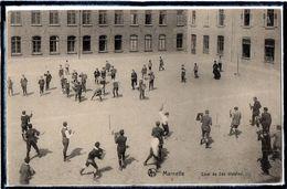MARNEFFE - BELGIQUE - ECOLE - COUR DE 2DE DIVISION - JEUX - JEU - ANIMATION - Belgique